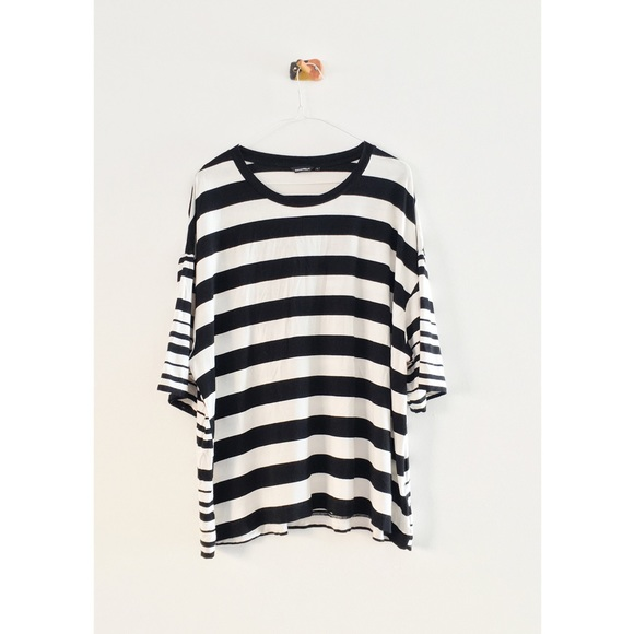 "3e2271962b Marimekko ""Gini"" T-Shirt. M_5a4fb5c2fcdc310fa800fce4"